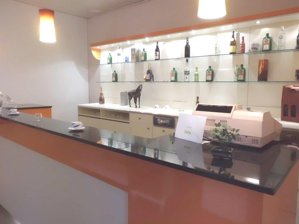 Banchi bar compra in fabbrica a met prezzo novit bar for Ristrutturare bancone bar