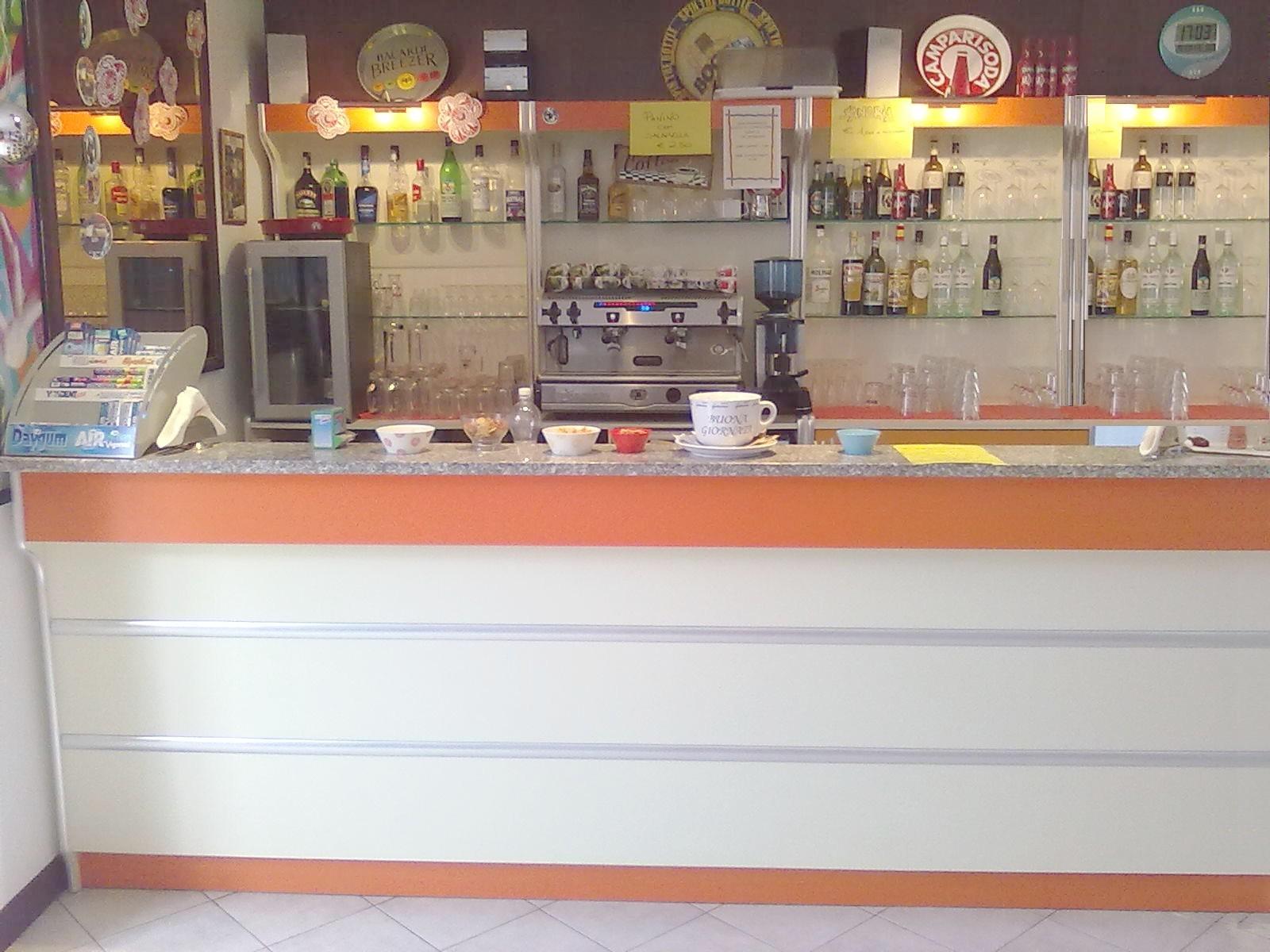 Bancone bar usato offerte banco bar gastronomia usato l for Banconi bar usati prezzi
