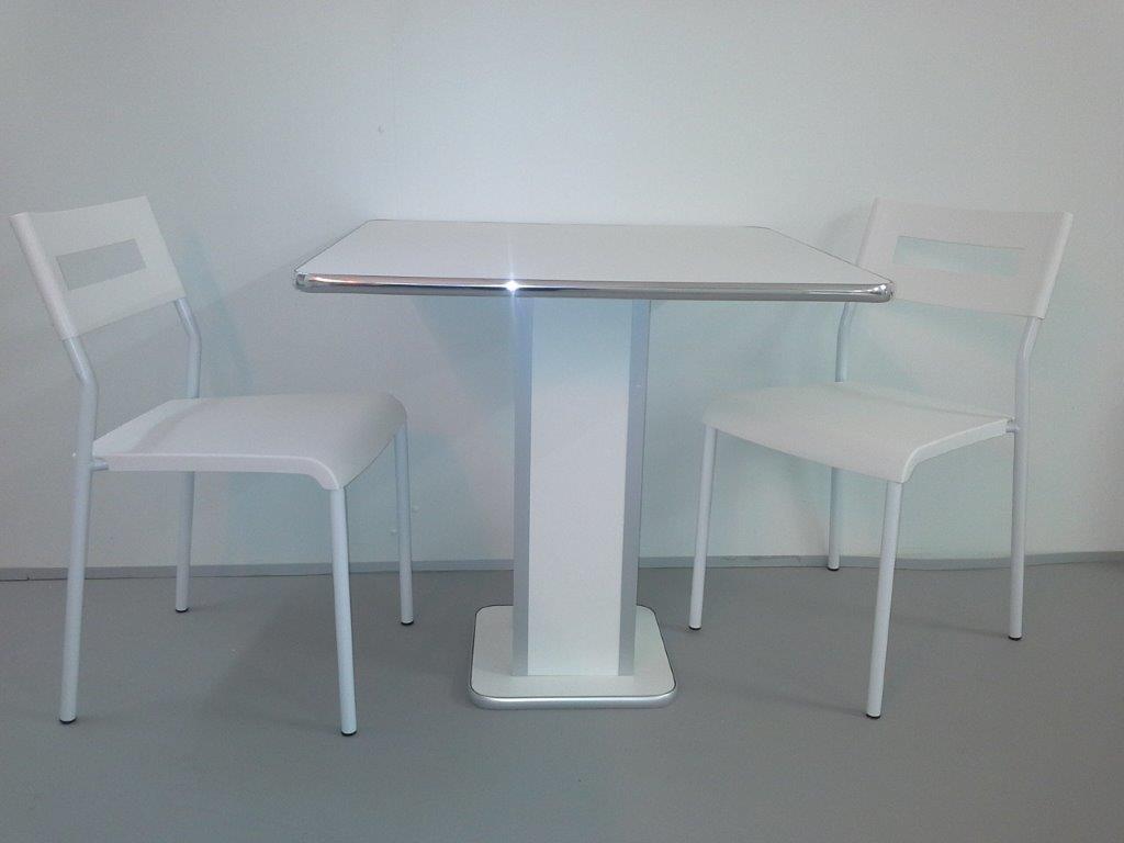 Sedie e tavoli da pub usati design casa creativa e for Sedie e tavoli per esterno