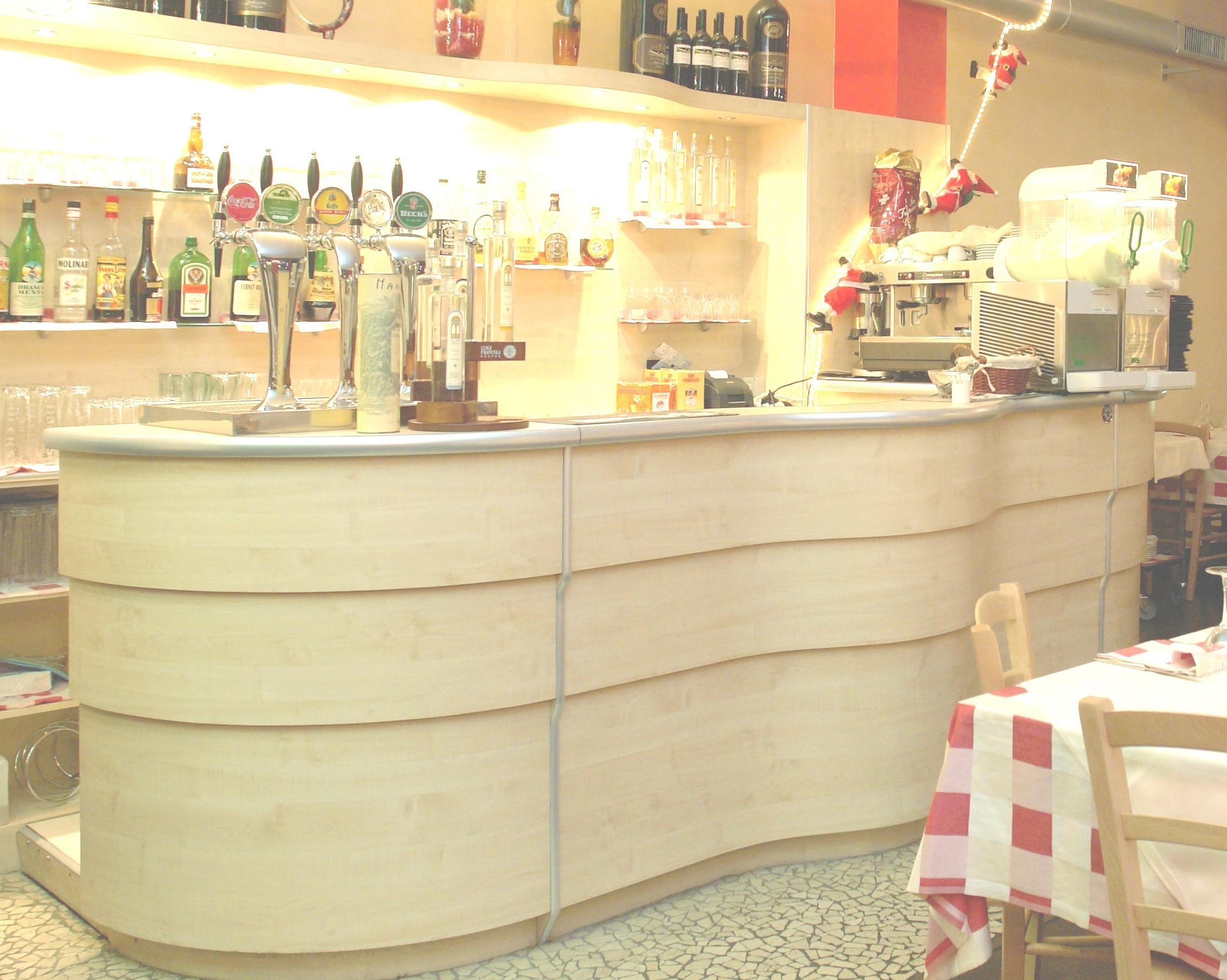 Banchi bar compra in fabbrica a met prezzo novit bar for Subito torino arredamenti