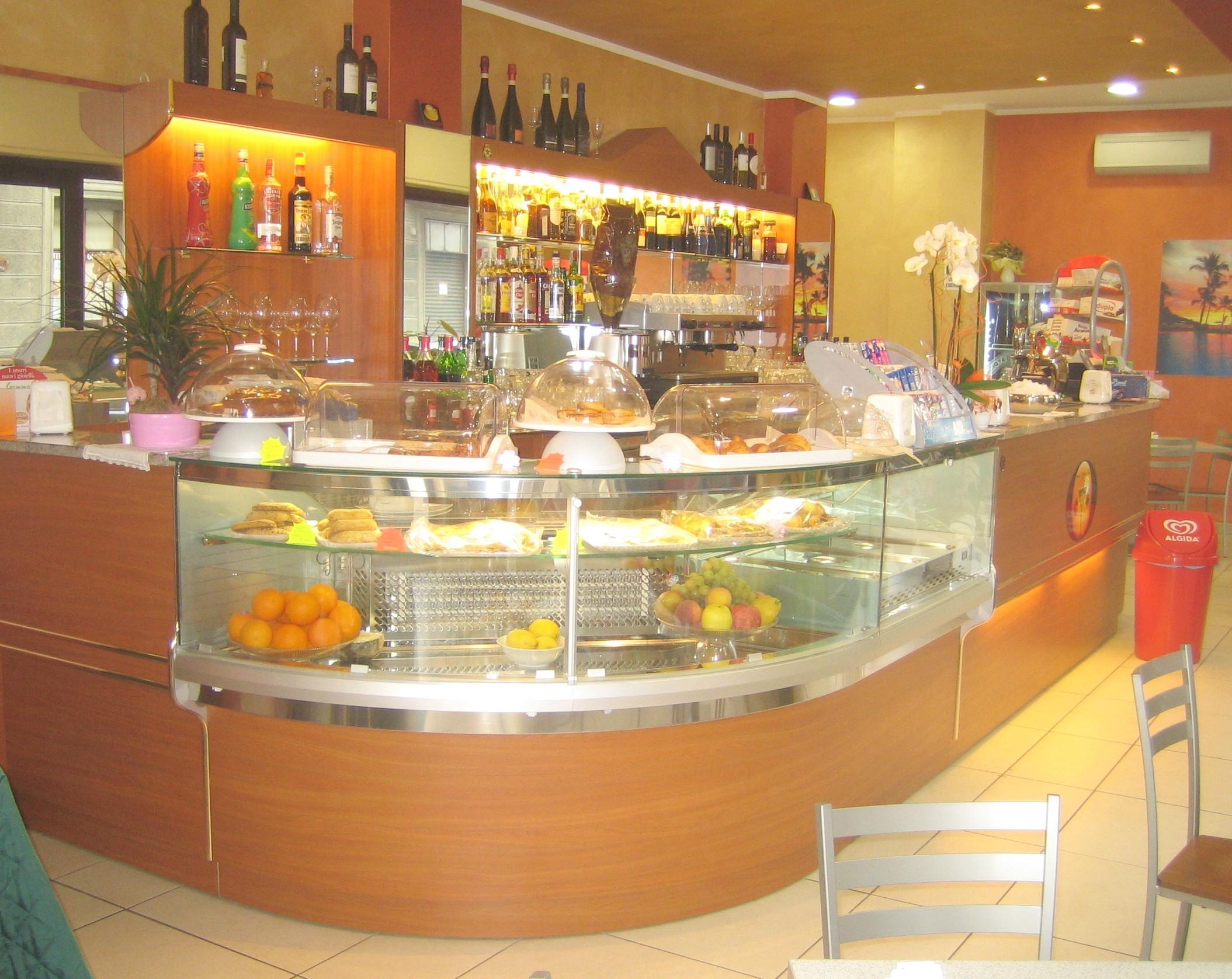 Banchi bar compra in fabbrica a met prezzo novit bar for Banconi bar milano
