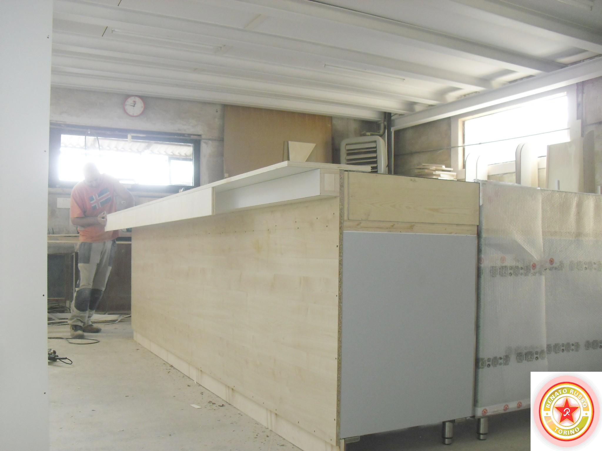 Bancone bar dimensioni trattamento marmo cucina - Bancone bar per casa ...
